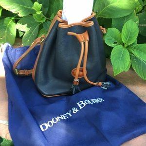 AUTHENTIC DOONEY & BOURKE DRAWSTRING BAG 🌸